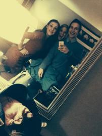 Māra Zālīte, Zinta Putene, un Valdis Račevskis svin Vašingtonas namā!